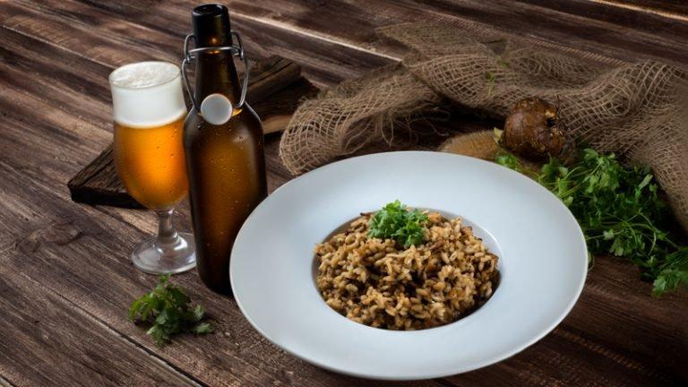 Risotto z suszonymi grzybami shiitake i piwem - przepis The Green Woodpecker Trill